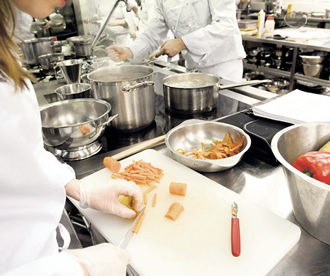 For many, adult education offers an opportunity to realise their dream and learn a new profession – like cookery for example.