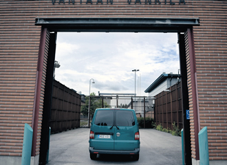 Prisoners are often transported from the Vantaa prison to court in Helsinki with little security to prevent escape.