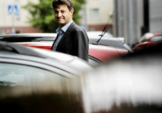 Cities must think of new uses for roadside parking places, believes Sampo Hietanen, the chief executive at ITS Finland.