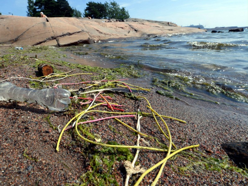 Washed up waste in Lauttasaari, Helsinki. Solidium, a state-owned investment firm, could help solve the question of municipal waste in a way that would not only be environmentally friendly but also present an opportunity for the cleantech sector.