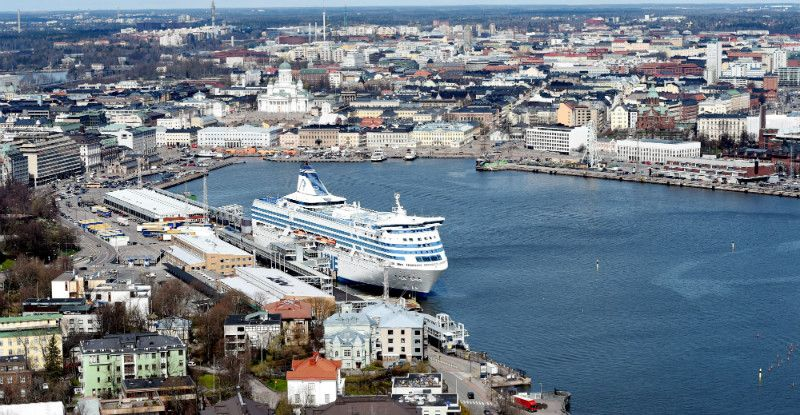 Foreign residents made a record-breaking 3.5 million overnight stays in Helsinki in 2015, despite a notable decline in the number of visitors from Russia.