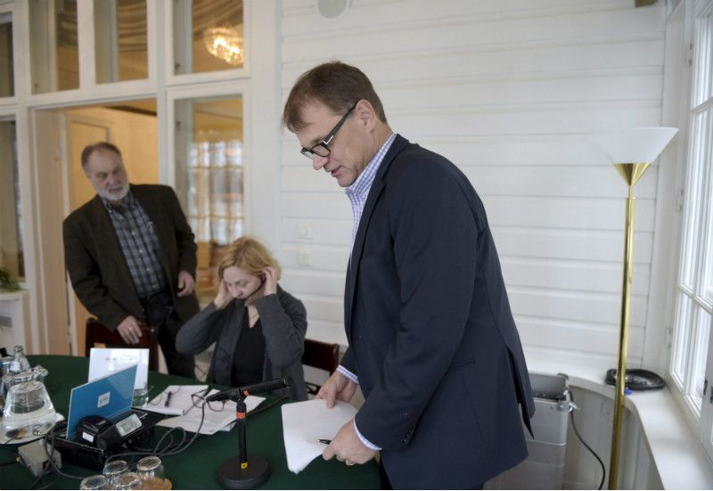 Prime Minister Juha Sipilä (Centre) revealed during his weekly interview on YLE Radio Suomi on Sunday that he will not be able to open his home in Kempele to asylum seekers.