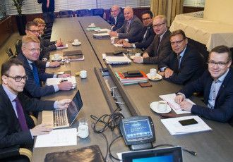 The representatives of labour market confederations gathered around a conference table at the headquarters of the Confederation of Finnish Industries (EK) in Helsinki on Thursday for what is already the fifth attempt to iron out a so-called social contract.