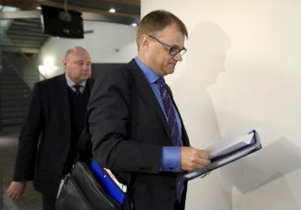 The police are responsible for maintaining public order in Finland, Prime Minister Juha Sipilä (Centre) has clarified after coming under criticism for his statements on civilian street patrols.