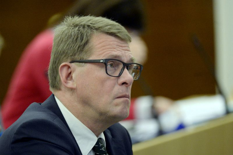 Matti Vanhanen, the chairperson of the Centre Parliamentary Group, is set to run in the next presidential elections on the ticket of the Centre Party.