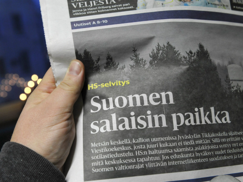 Police on Sunday conducted a house search at the home of one of the two journalists who wrote about the Finnish Defence Intelligence Agency (VKoeL) in Saturday's Helsingin Sanomat.