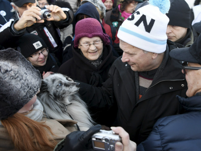 President Sauli Niinistö met voters at Hakaniemi Market Square while on the campaign trail in Helsinki on 7 January, 2018.