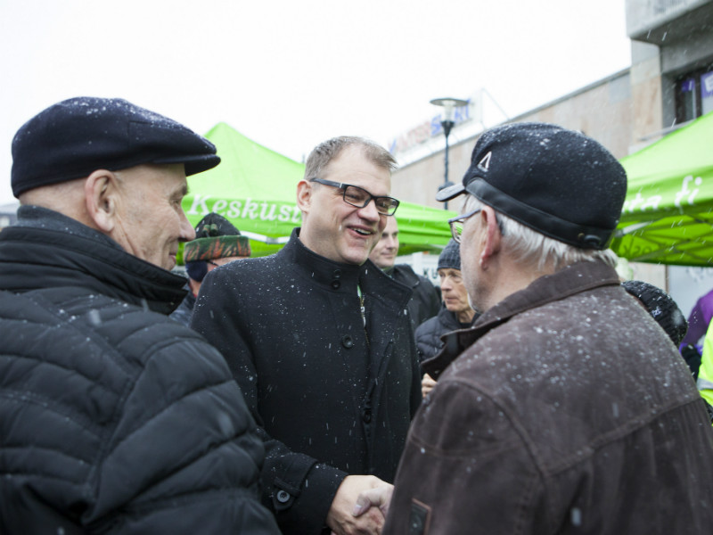 Prime Minister Juha Sipilä, the chairperson of the Centre Party, talked to locals during a party event in Joensuu, Eastern Finland, on 25 November, 2017.