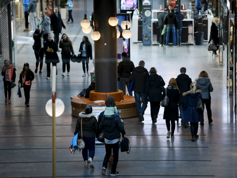 Finns' confidence in the economic and employment situation remains almost historically high, according to Statistics Finland.