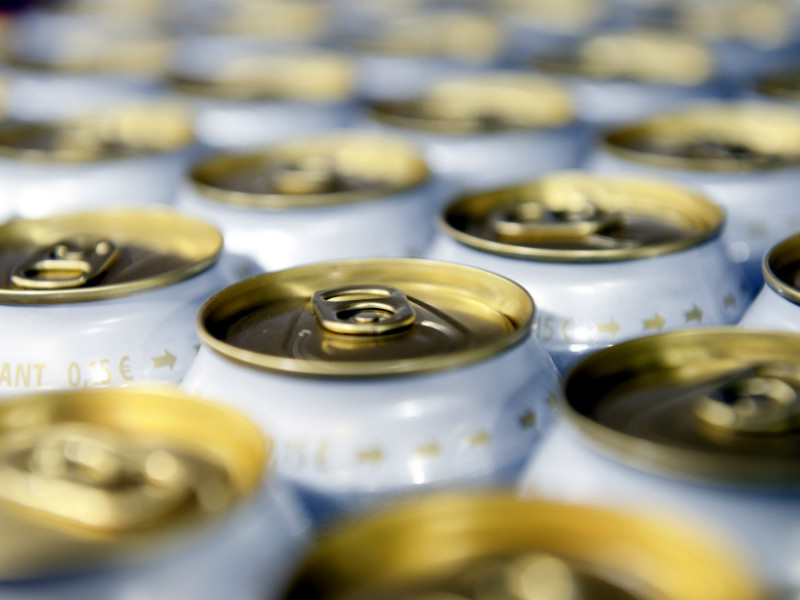 Grocery shops, kiosks and service stations will be able to start selling beers, ciders and canned cocktails with a maximum alcohol content of 5.5 per cent as soon as on 1 January, 2018.