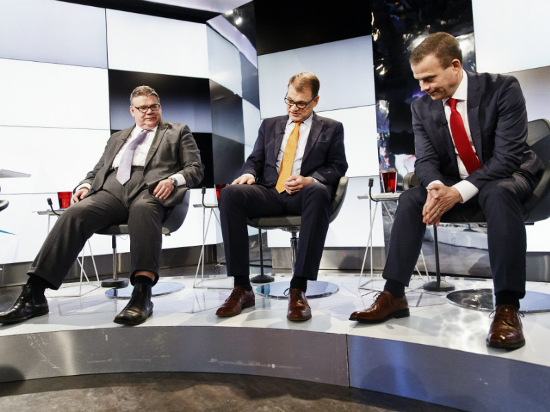 The chairpersons of the three ruling parties, Timo Soini (PS), Juha Sipilä (Centre) and Petteri Orpo (NCP), have yet to find common ground on the scope of the spending cuts still needed to balance the public economy.