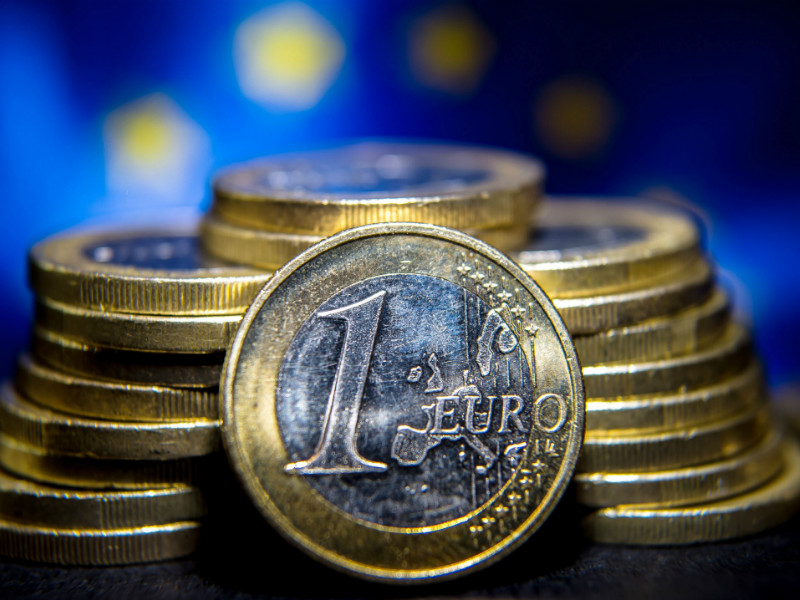 The euro, used by nearly 340 million people each day, celebrated its 15th birthday on Sunday, 1 January, 2017.