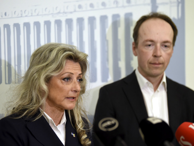 Jussi Halla-aho (right), the chairperson of the Finns Party, is confident that more will follow in the footsteps of Ritva Elomaa and re-join the Finns Party Parliamentary Group.