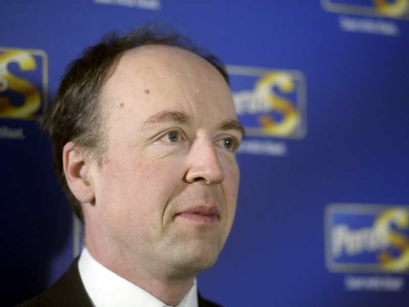 Jussi Halla-aho, the chairperson of the Finns Party, has voiced his concern about a proposal approved on Tuesday by the Helsinki City Board to grant undocumented immigrants the right to a wider variety of health care services.