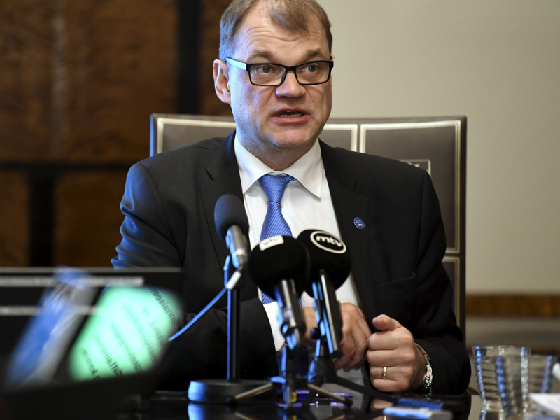 Prime Minister Juha Sipilä (Centre) met the press after making an official announcement to the Parliament on the current EU agenda on Wednesday, 22 November, 2017.