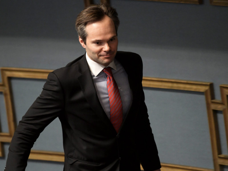 Kai Mykkänen (NCP), the Minister of the Interior, has voiced his reservations about calls to detain all asylum seekers who have been issued a deportation order.