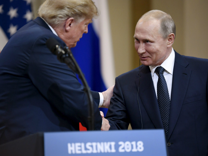 US President Donald Trump and Russian President Vladimir Putin shook hands during their joint press conference in the Presidential Palace in Helsinki on 16 July 2018.#source%3Dgooglier%2Ecom#https%3A%2F%2Fgooglier%2Ecom%2Fpage%2F%2F10000