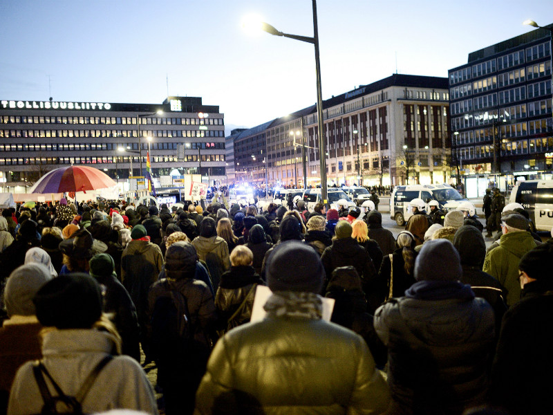 Counter-protesters gathered to voice their disapproval of a protest march organised by Finnish neo-Nazis in Helsinki, Finland, on Independence Day, 6 December 2018. (Credit: Lehtikuva)