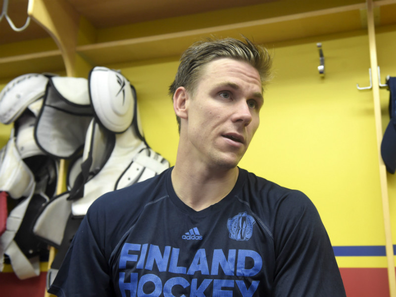 Jori Lehterä spoke to reporters after an on-ice practice with the Finnish national team in Helsinki on 6 August 2016, ahead of the 2016 World Cup of Hockey. (Credit: Vesa Moilanen – Lehtikuva)