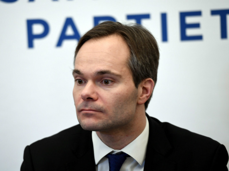 Kai Mykkänen (NCP) met the press after succeeding Paula Risikko (NCP) as the Minister of the Interior on Tuesday.