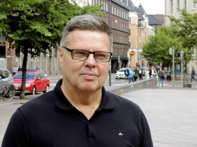Jari Aarnio, a former head of drug enforcement at Helsinki Police Department, spoke to reporters in central Helsinki on 19 June after his release by the Helsinki Court of Appeal.