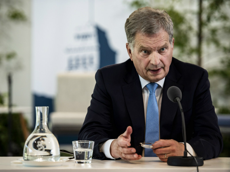 President Sauli Niinistö spoke to members of the media before delivering the opening remarks of the sixth edition of the Kultaranta Talks in Naantali, South-west Finland, on Sunday, 17 June.