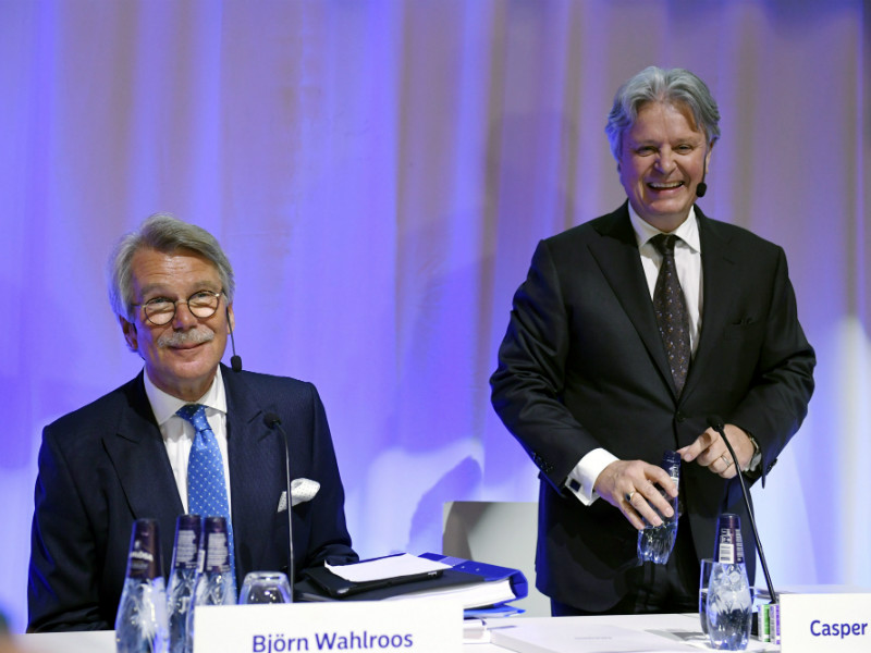 Nordea's board chairman Björn Wahlroos (left) and chief executive Casper von Koskull attended the financial group's general meeting in Stockholm, Sweden, on Thursday, 15 March, 2018.