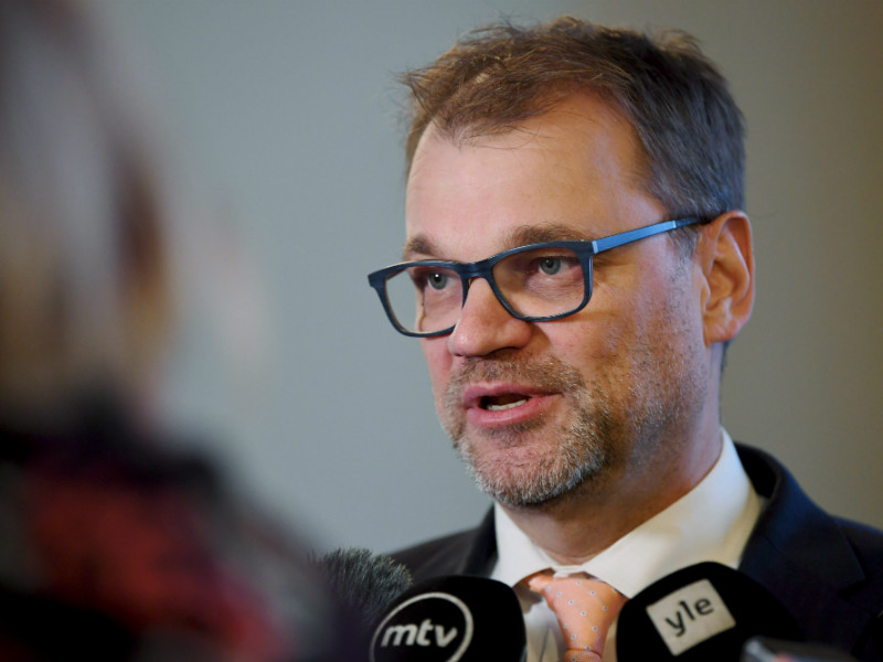 Prime Minister Juha Sipilä (Centre) spoke to reporters after round-table talks on climate policy in the Finnish Parliament on Tuesday, 20 November. (Credit: Antti Aimo-Koivisto – Lehtikuva)