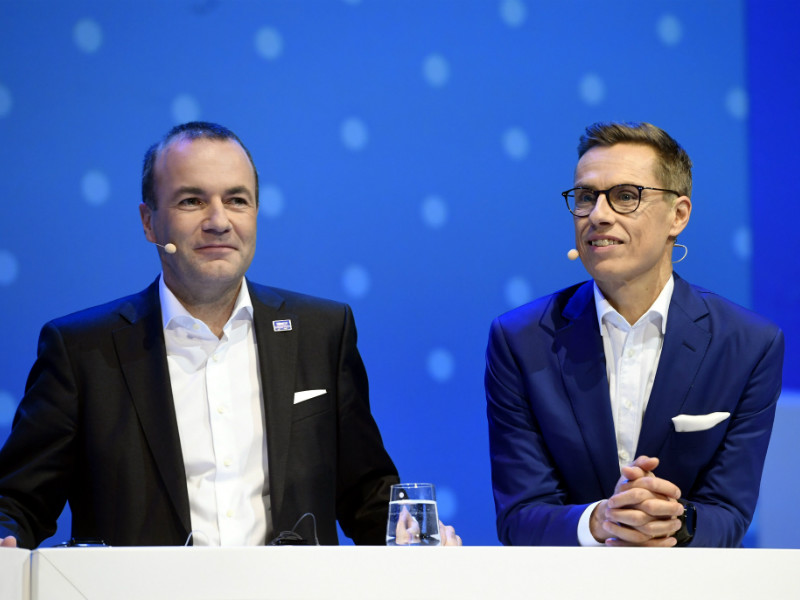 Alexander Stubb (right) and Manfred Weber (left), the two candidates to lead the European People's Party (EPP) into the next European elections, squared off in a debate at EPP Congress Helsinki on Wednesday. (Credit: Heikki Saukkomaa – Lehtikuva)