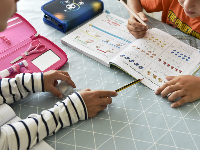 A study by the National Institute for Health and Welfare (THL) has found that the income and educational background of parents has a noticeable impact on the school performance of children. (Credit: Emmi Korhonen – Lehtikuva)