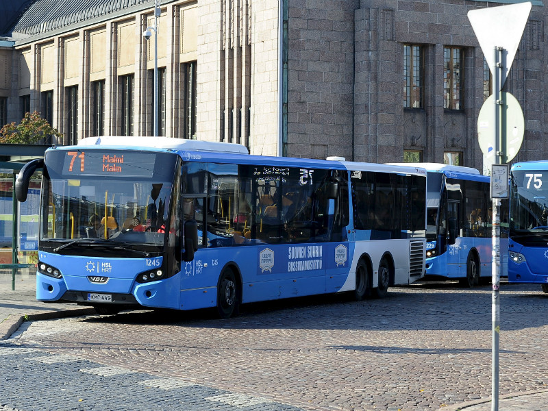 An overtime and shift-trading ban announced yesterday by the Transport Workers' Union (AKT) is expected to have an impact on bus services in the capital region and other large cities in Finland as of Monday, 8 October. (Credit: Mesut Turan – Lehtikuva)