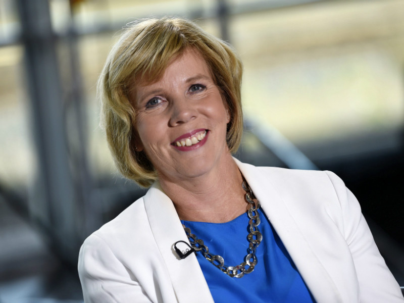 Anna-Maja Henriksson, the chairperson of the Swedish People's Party, has urged the government and trade unions to find a common way forward in their long-running dispute over a proposal to ease laying off for small businesses. (Credit: Martti Kainulainen – Lehtikuva)