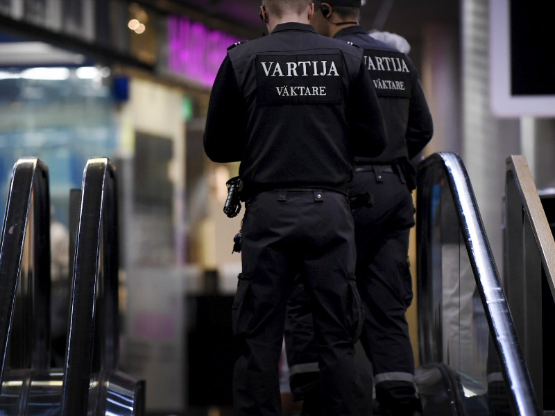 Service Union United (PAM) has said roughly 8,500 employees in the private security industry, including janitors and security guards, will go on three-day strike as of Wednesday, 24 October. (Credit: Antti Aimo-Koivisto – Lehtikuva).