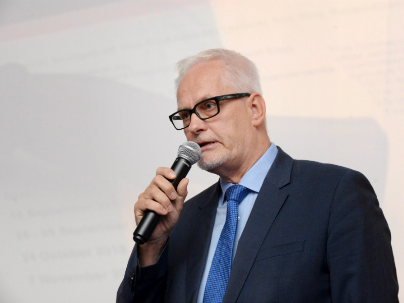 Petri Sarvamaa (NCP), a Member of the European Parliament, believes the European Commission's position on Finland's plan to restrict distance sales of alcohol came as an unpleasant surprise to the Ministry of Social Affairs and Health. (Credit: Mikko Stig – Lehtikuva)#source%3Dgooglier%2Ecom#https%3A%2F%2Fgooglier%2Ecom%2Fpage%2F%2F10000