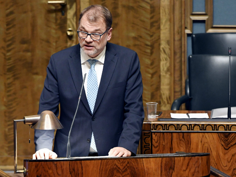 Prime Minister Juha Sipilä (Centre) addressed the Finnish Parliament as it debated his government's statement on employment policy direction and measures to encourage small businesses to hire employees. (Credit: Heikki Saukkomaa – Lehtikuva)