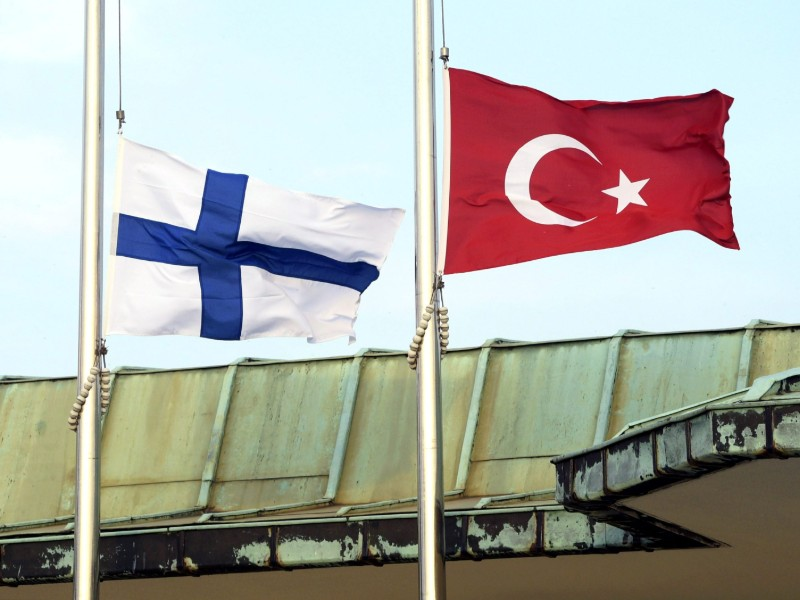 The National Bureau of Investigation (KRP) on Tuesday said three ex-officials at the Embassy of Finland in Ankara, Turkey, are suspected of providing false travel documents possibly to hundreds of people.