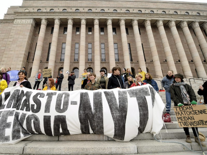 Finnish young people participated in a school strike for climate outside the Parliament House in Helsinki on 24 May 2019. (Vesa Moilanen – Lehtikuva)