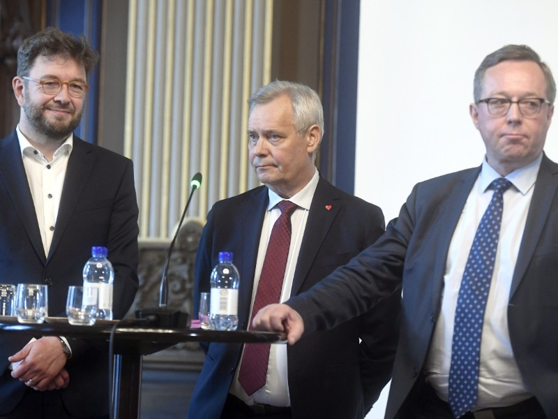 Ministers Timo Harakka (left), Antti Rinne (centre) and Mika Lintilä (right) were photographed in a joint employment seminar of the government and labour market organisations in Helsinki on 19 June 2019. (Vesa Moilanen – Lehtikuva)