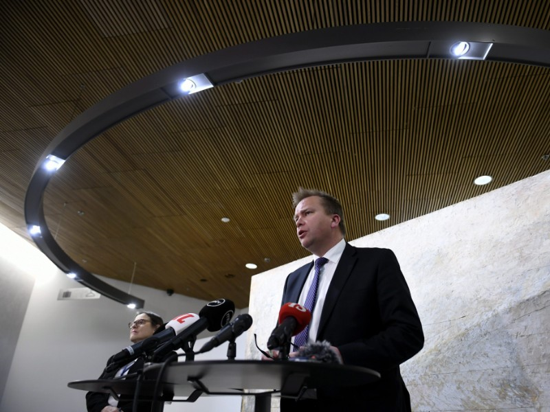 Antti Kaikkonen, the chairperson of the Centre Parliamentary Group, on Tuesday met the press to announce parliamentary groups have agreed that the current government should continue on a caretaker basis until the next elections. (Martti Kainulainen – Lehtikuva)