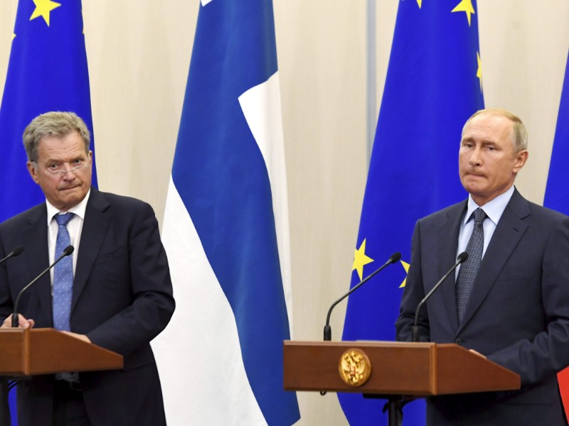 Presidents Sauli Niinistö (left) and Vladimir Putin (right) held a joint press conference in conjunction with their meeting in Sochi, Russia, on 22 August 2018. (Markku Ulander – Lehtikuva)