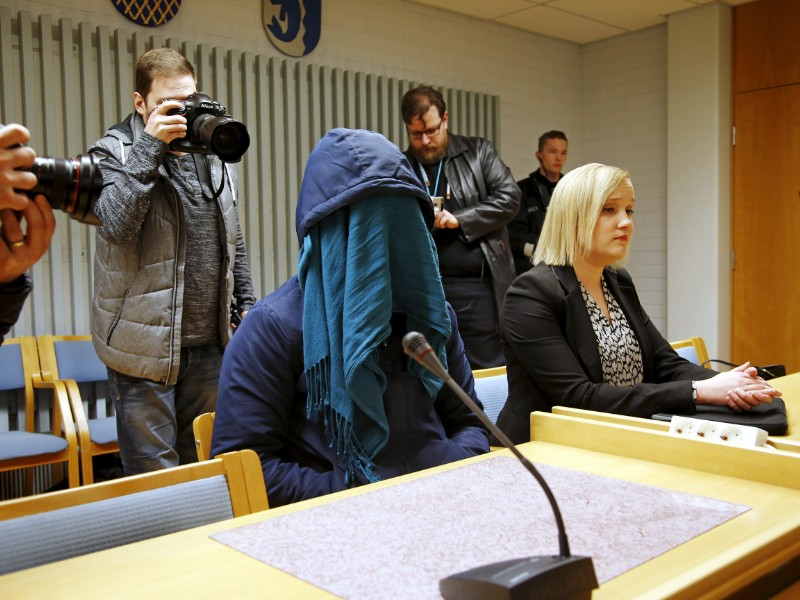 The roughly 20-year-old defendant and his defence counsel, Jaana Piipari, attended a hearing at the District Court of Oulu on 23 April 2019. (Timo Heikkala – Lehtikuva)