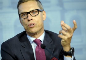 Prime Minister Alexander Stubb (NCP) answered questions from members of the media after Wednesday's budget session at the House of the Estates in Helsinki.