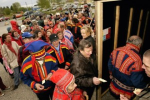 A large group of Sami people came to the Midnight Sun Film Festival in Sodankylä to watch Kautokeinon kapina on June 11th 2008.