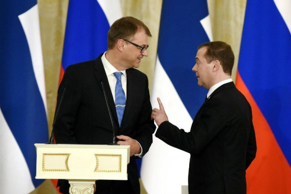 Prime Minister Juha Sipilä (Centre) held a joint press conference with his Russian counterpart, Dmitry Medvedev, in St. Petersburg on 29 January.