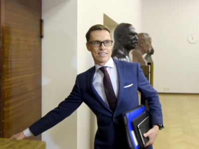 Alexander Stubb (NCP), the Minister of Finance, urges labour market confederations to continue exploring the possibilities of local bargaining.