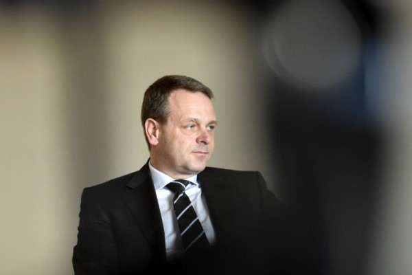 Petteri Orpo (NCP), the Minister of the Interior, is the best equipped of the candidates to reunite the ranks of the National Coalition, believes Jan Vapaavuori (NCP), a vice president of the European Central Bank.