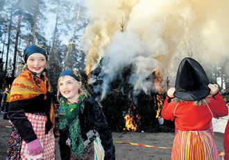 Easter bonfires are lit in Seurasaari every year on Holy Saturday. Though originally used to keep the mischievous spirits at bay, the ritual is nowadays an occasion for communities and families to gather together.