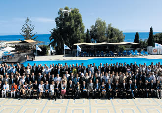 The traditional group picture of the participants and organizers has been taken every year in the pool area of hotel Aldemar Paradise.