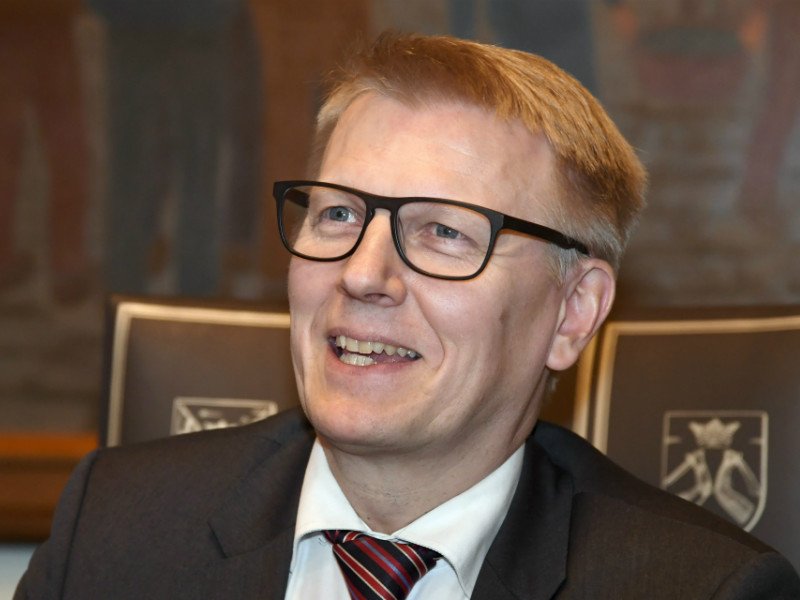 Kimmo Tiilikainen (Centre), the Minister of the Environment, Energy and Housing, urges Finland to phase out coal use in energy production five years ahead of schedule, by 2025.