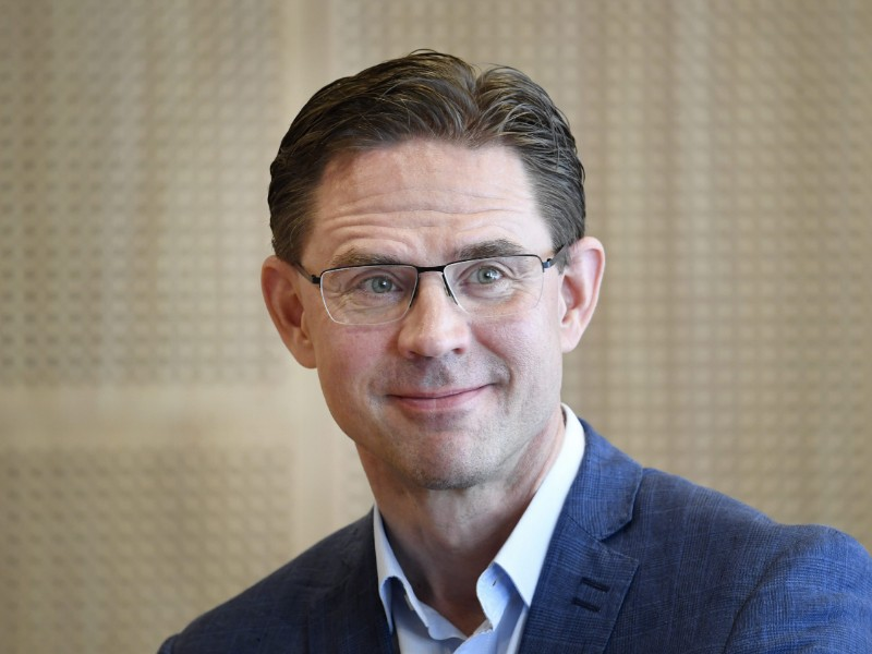 European Commissioner Jyrki Katainen (NCP) told Helsingin Sanomat on Friday that he is looking into the options available to the EU to tackle the fires raging in Brazil. (Heikki Saukkomaa – Lehtikuva)